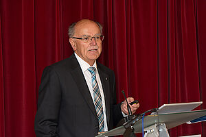 Bezirkstagspräsident Josef Mederer beim KWA Symposium 2020