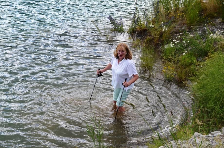 Fußbad im Reschensee