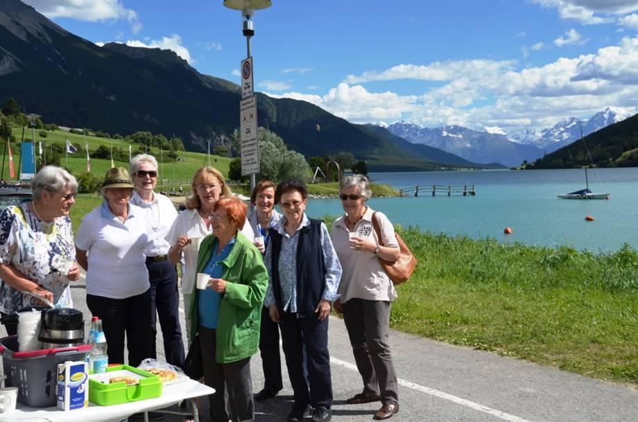 Picknick zur Kaffeepause am Reschensee
