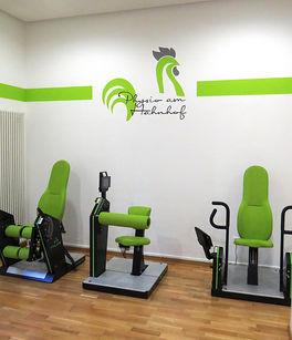 Moderne Geräte in den Physiotherapieräumen von Physio am Hahnhof