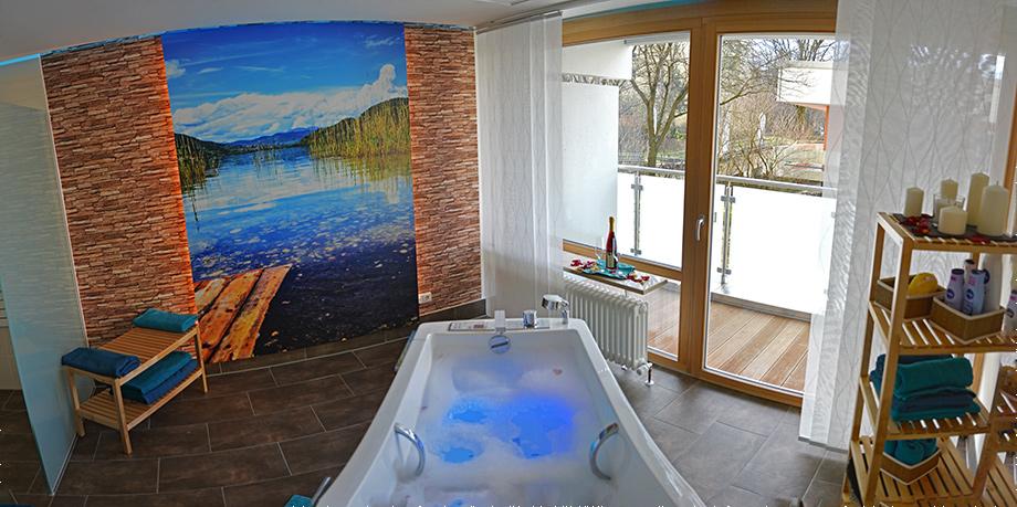 Im Wellness-Bad im KWA Georg-Brauchle-Haus kann man wunderbar entspannen.