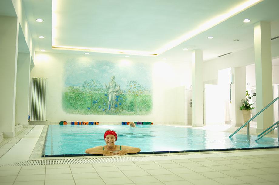 Schwimmbad im KWA Parkstift Hahnhof in Baden-Baden