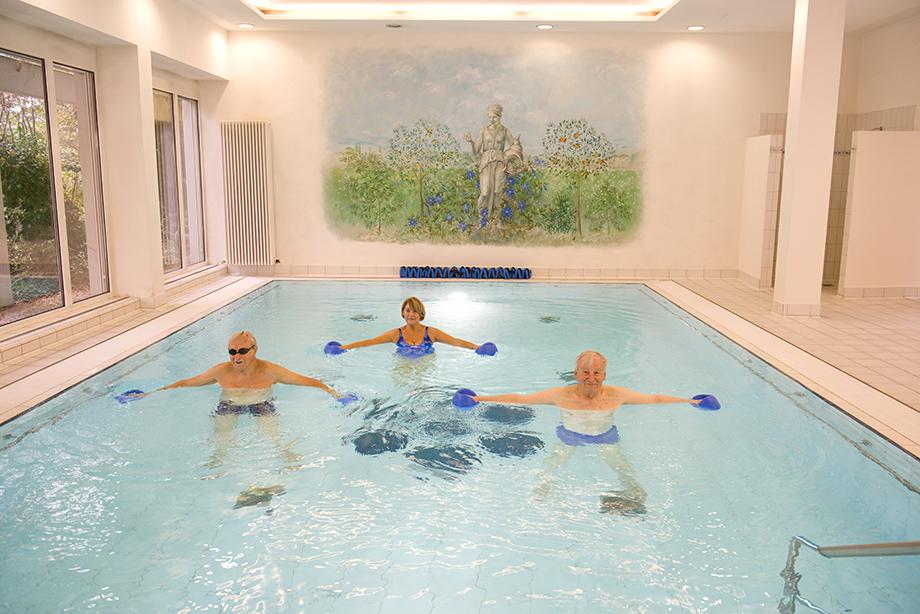 Schwimmbad im Schwimmbad im KWA Parkstift Hahnhof in Baden-Baden; Foto: Anton Krämer (KWA)KWA Parkstift Hahnhof in Baden-Baden