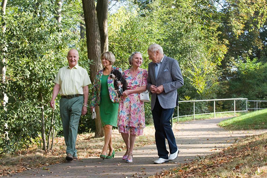 Spaziergang durch den Stiftspark; Foto: Anton Krämer (KWA)