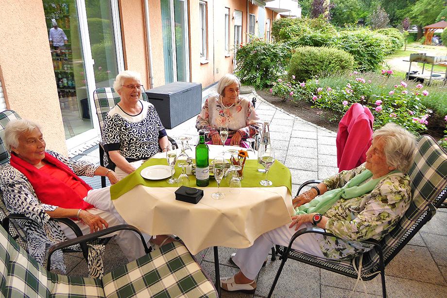 Sommerfest im KWA Stift im Hohenzollernpark in Berlin