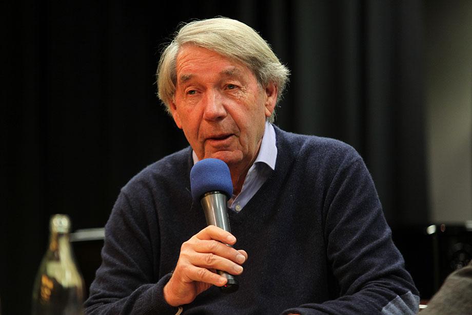 Roland Doschka im KWA Parkstift Rosenau in Konstanz auf der Talk-Bühne