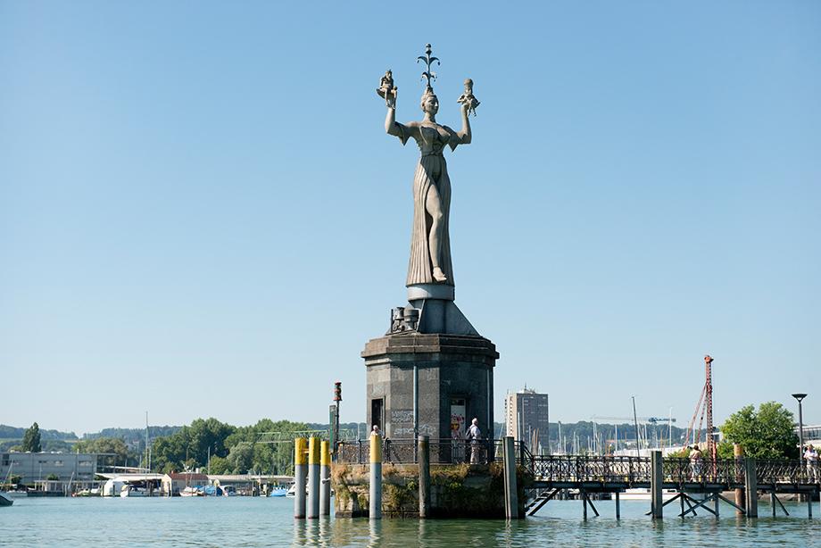 Die Imperia: ein relativ neues Wahrzeichen von Konstanz - wurde erst 1993 errichtet; Foto: Anton Krämer / KWA
