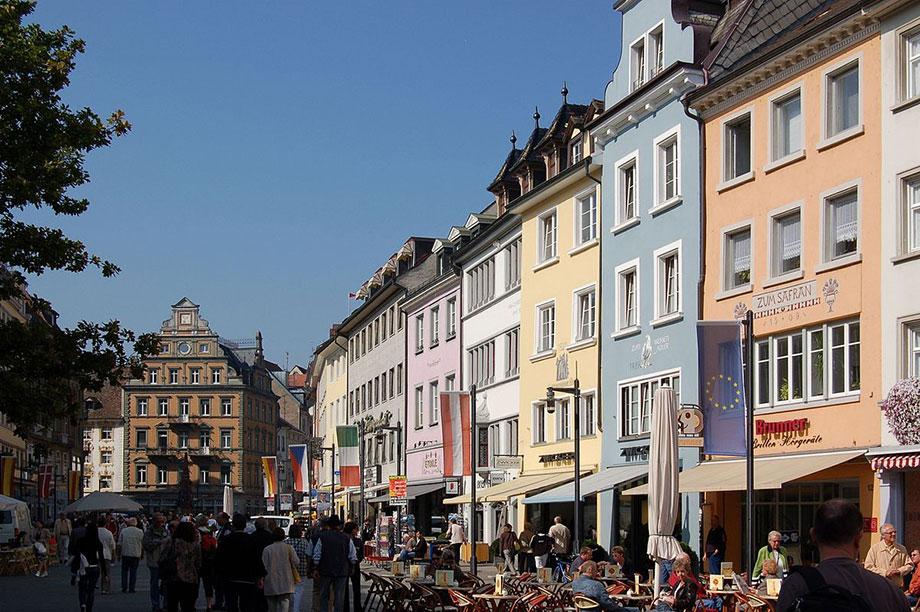 Marktstätte Konstanz - Foto: Von Gerhard Giebener - Konstanz - Marktstätte, CC BY 2.0, https://commons.wikimedia.org/w/index.php?curid=30887035
