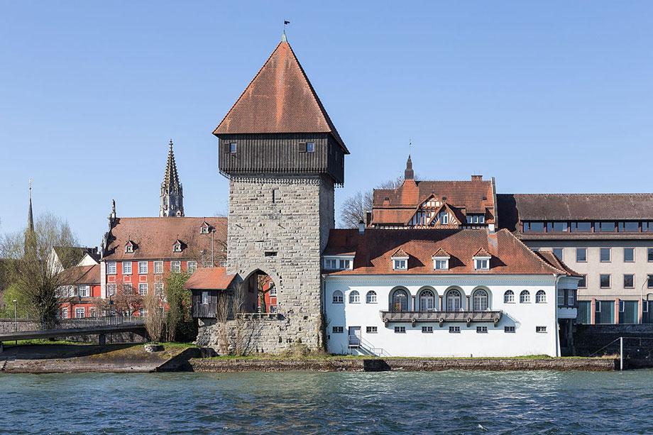 Rheintorturm in Konstanz - Foto: Von JoachimKohlerBremen - Eigenes Werk, CC BY-SA 4.0, https://commons.wikimedia.org/w/index.php?curid=39786628