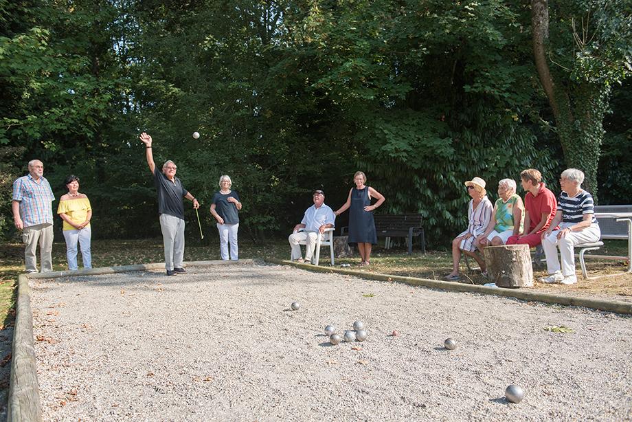 Boule-Spiel im KWA Parkstift Rosenau in Konstanz
