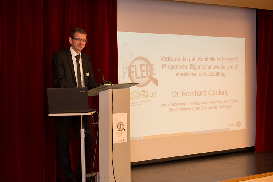 Dr. Bernhard Opolony, vom Bayer. Staatsministerium für Gesundheit und Pflege