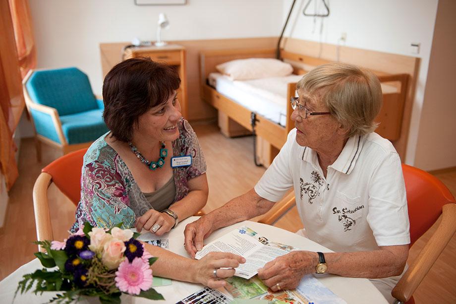 Pflege bei KWA beginnt mit individueller Beratung