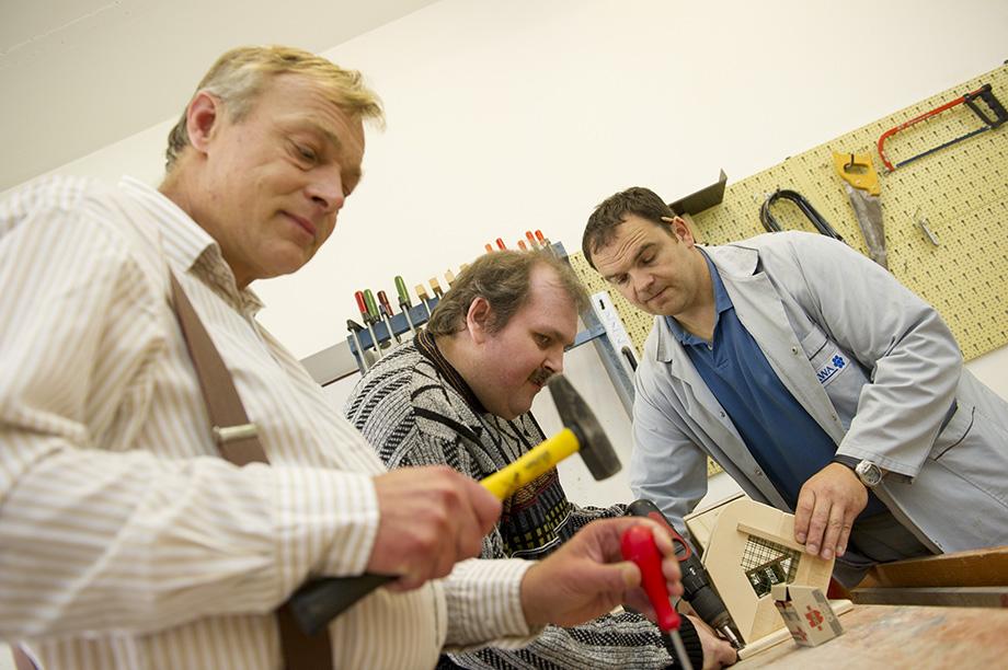 Soziotherapeutische Wohngruppen im KWA Stift Rottal in Bad Griesbach: Handwerkliche Beschäftigung