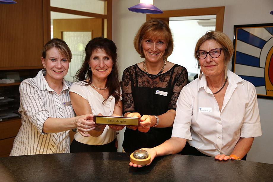 Mitarbeiterinnen der Rezeption im KWA Stift Brunneck
