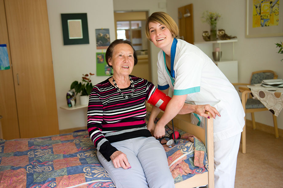Begleitung und Pflege im KWA Wohnstift