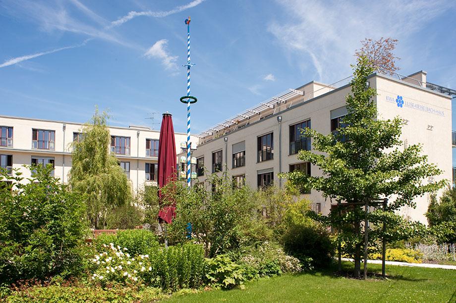 Garten des KWA Luise-Kiesselbach-Hauses in München-Riem