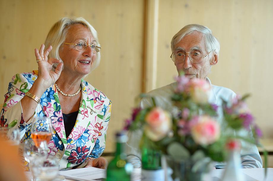 Margret Rosenmüller leitet den Debattierclub im KWA Stift Rupertihof