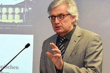 Prof. Dr. Hartmut Remmers, Referent