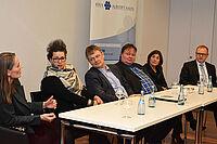 von links: Sonja Laag (Barmer GEK Wuppertal), Britta March (AOK BW), Thomas Klie (Gerontologe und Justiziar), Michael Maas (niedergelassener Arzt), Birgit Heyden (Hochschule Aalen), Rüdiger Kucher (Kassenärztliche Vereinigung)