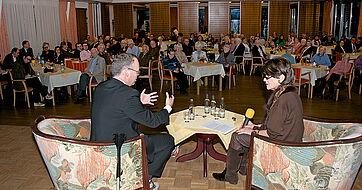 Blick vom Podium ins Publikum, im Saal des KWA Parkstifts Rosenau in Konstanz