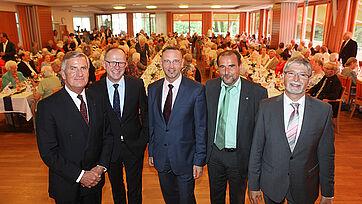 von links: Wolf-Dieter Krause (KWA Aufsichtsrat), Dr. Stefan Arend (KWA Vorstand), Dr. Andreas Osner (Bgm. der Stadt Konstanz), Axel Goßner (Sozialdezernent Landratsamt Konstanz), Herbert Schlecht (Stiftsdirektor des KWA Parkstifts Rosenau)