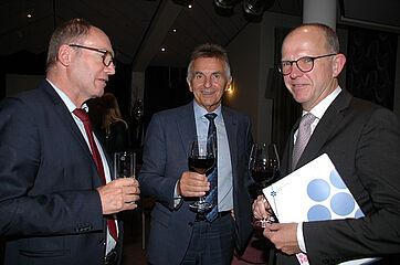 Von links: KWA Vorstand Horst Schmieder, MdL Walter Taubenender, KWA Vorstand Dr. Stefan Arend