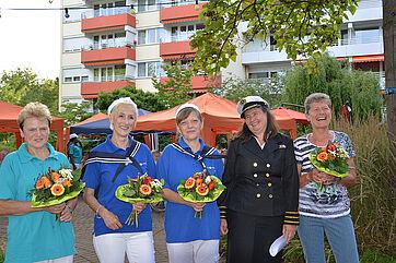 Die geehrten langjährigen Mitarbeiterinnen mit Stiftsdirektorin Anja Schilling