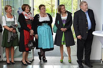 Charmante Gäste vom KWA Bildungszentrum in Pfarrkirchen und Hermann Beckmann