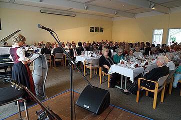 Festgäste bei der 45-Jahr-Feier im KWA Hanns-Seidel-Haus in Ottobrunn