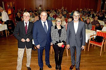 Moderator Stephan Schmutz, Talkgast Thomas Niederberger, Talkmanagerin Marina Gernard und Stiftsdirektor Herbert Schlecht (von links)
