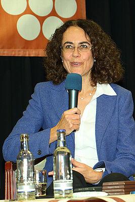 Monica Müller, Direktorin der Schweizer Schokoladenfabrik Chocolat Stella Bernrain, im November 2017 als Talkgast im KWA Parkstift Rosenau in Konstanz