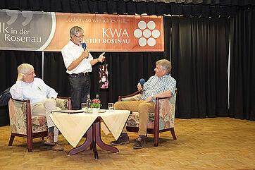Talk im KWA Parkstift Rosenau in Konstanz; von links: Moderator Stephan Schmutz, Stiftsdirektor Herbert Schlecht, Talkgast Bruno Vattioni
