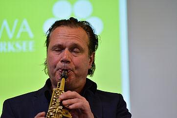 Mulo Francel am Saxophon
