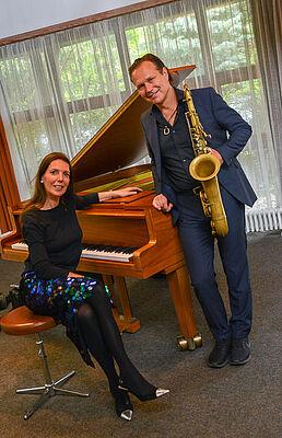 Mulo Francel und Nicole Heartseeker musizierten zum Jubiläum im KWA Stift am Parksee