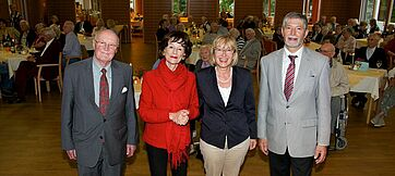 Wilderich Graf von und zu Bodman, Monique Würtz, Moderatorin, Marina Gernard, Kundenbetreuerin, Herbert Schlecht, Stiftsdirektor