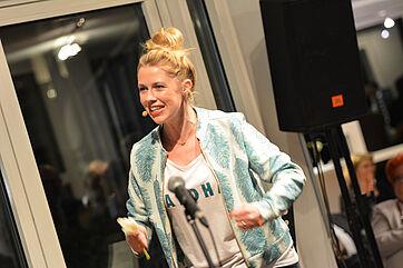 Kabarettistin Christine Eixenberger beim KWA Neujahrsempfang in Unterhaching