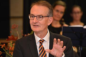 Der stv. KWA Aufsichtsratsvorsitzende Prof. Dr. Ekkehart Meroth sprach ein Grußwort für den KWA Aufsichtsrat und die KWA Aktionäre.