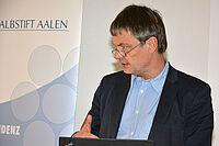 Der Gerontologe und Justiziar Dr. Thomas Klie als Moderator des KWA Forums zur heimärztlichen Versorgung