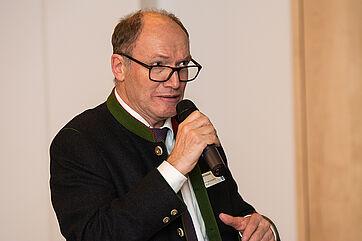 KWA Vorstand Horst Schmieder brachte sich ein, wenn es um Sorgestrukturen oder um Finanzierungen ging.