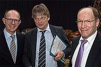 KWA Vorstände Dr. Stefan Arend (l.) und Horst Schmieder (r.) mit Prof. Dr. Thomas Klie, Evangelische Hochschule Freiburg, Gerontologe und KWA Justiziar