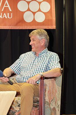 Bruno Vattioni, Geschäftsführer der Säntis-Schwebebahn AG, auf der Talkbühne