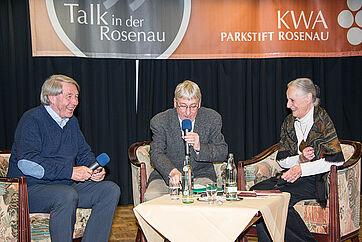 Auf der Talk-Bühne im KWA Parkstift Rosenau in Konstanz, v. l. Roland Doschka, Stephan Schmutz, Angela Rosengart. --- Alle Bilder lassen sich mit einem Klick vergrößern. --- Fotos: Beate Steg-Bayer.