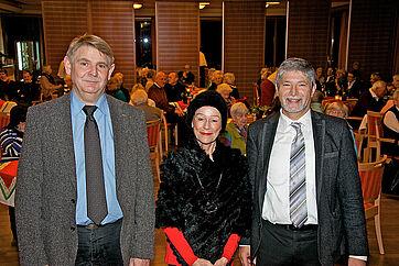 von links: Talkgast Dominik Gügel, Moderatorin Monique Würtz und Stiftsdirektor Herbert Schlecht