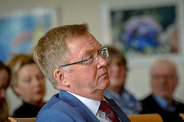 Staatssekretär Andreas Westerfellhaus als Zuhörer im Publikum