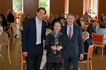 Andreas Jung, Mitglied des Deutschen Bundestages, Monique Würtz, Moderatorin, und Herbert Schlecht, Stiftsdirektor im KWA Parkstift Rosenau (von links)