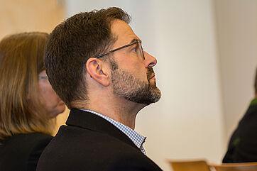 Auch KWA Stiftsdirektor Stefan Linke zeigte sich äußerst interessiert an den Informationen über die Sozialbranche.