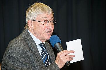 Moderator Stephan Schmutz