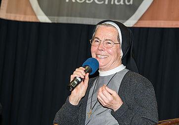 Schwester Josefa Harter vom Kloster Hegne als Talkgast im KWA Parkstift Rosenau in Konstanz