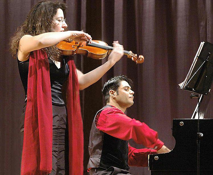Zu Gast im Caroline Oetker Stift: das Duo Appassionata, mit Werken von Franz Schubert, Edvard Grieg u. Pablo de Sarasate