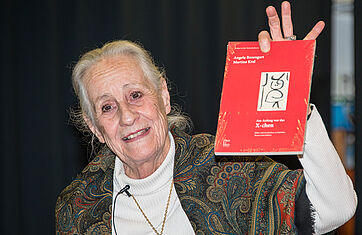 Angela Rosengart hat ein Büchlein zum X-chen verfasst - diese Zeichnung von Paul Klee auf dem Buchcover ist das erste Kunstwerk, das sie erworben hat.